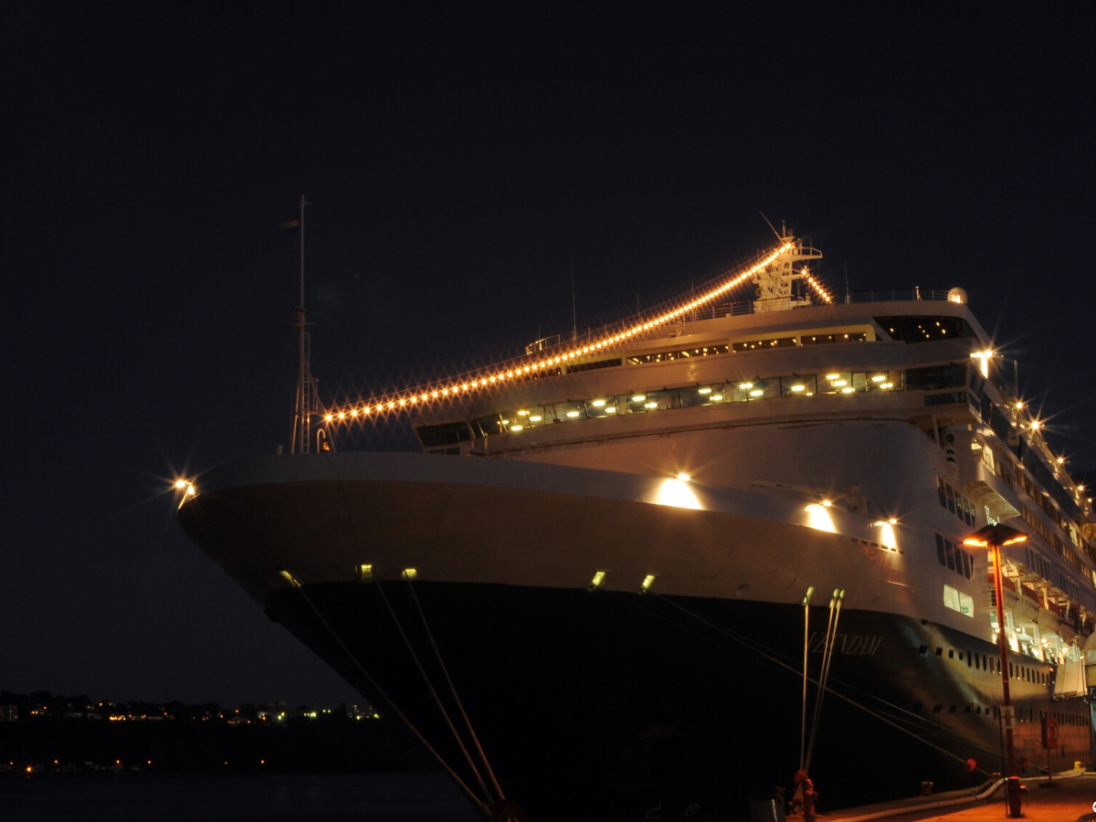 cruise ship quebec city at night
